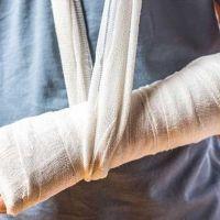 Gãy xương cẳng tay điều trị như thế nào?